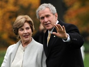 nm_george_laura_bush_081128_mn
